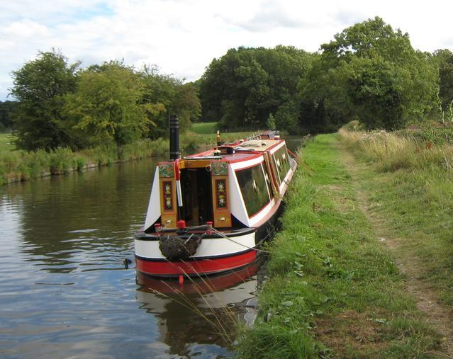 boat safety examiner and marine surveys in Staffordshire and the Midlands